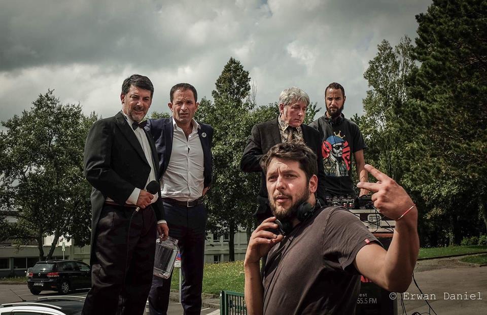 Jules Raillard, au premier plan, sur le de tournage de On k'Air. Parmi les comédiens ce jour-là, Benoît Hamon !